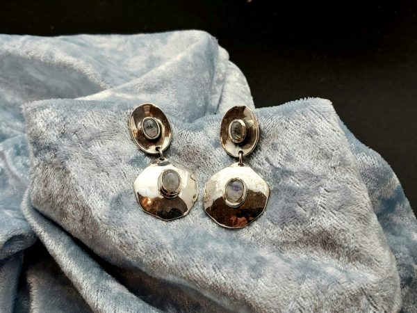 Item 123ES Silver with moonstone
