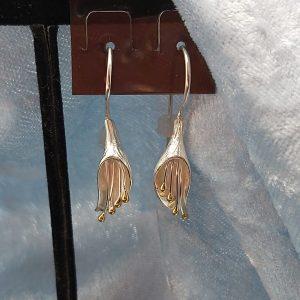 Item 125ES Silver flowers