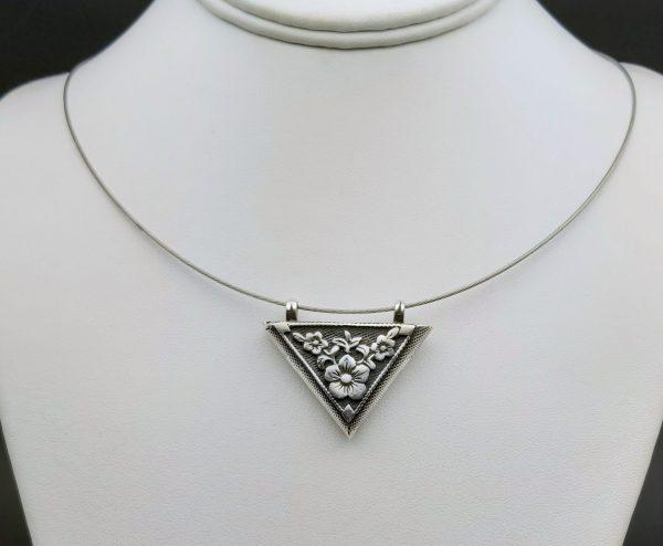 Item 106SP Flower triangel pendant