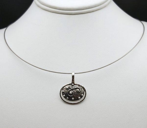 Item 109SP Oval pendant