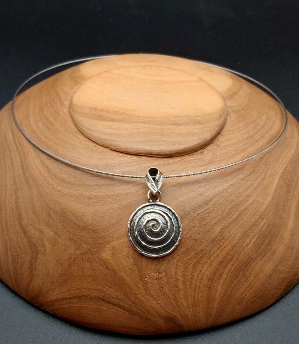Item 114SP two colour swirl pendant