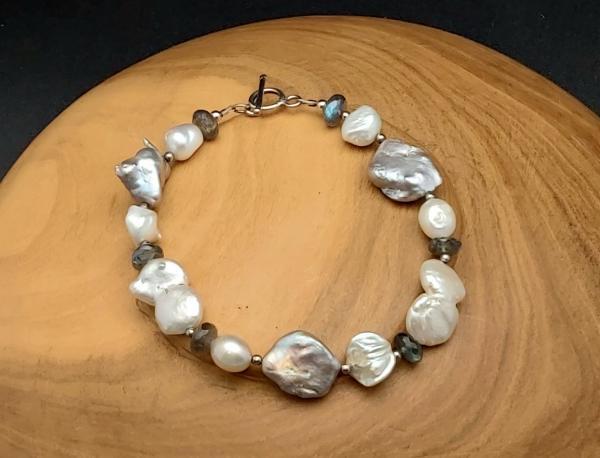 Item 162BP Freshwater Pearl, Labradorite
