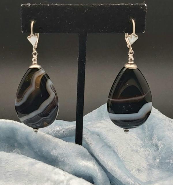 Item 227EA Black banded Agate
